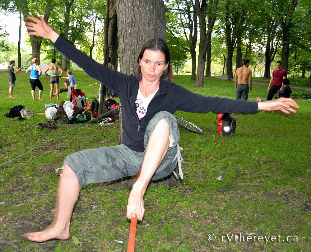 DSC 8218 Yoga + Slacklining in Montreal 